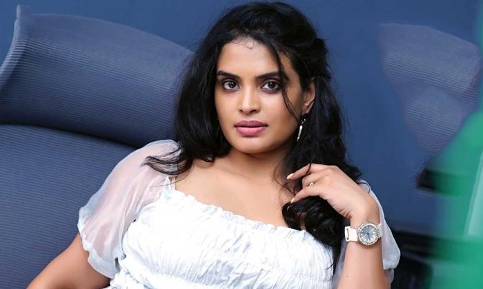 Telugu Bigg Boss 5 First Elimination Sarayu Where-TeluguStop.com