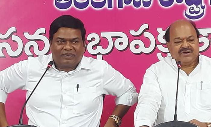 Trs Leader Jeevan Reddy Sensational Comments On Bandi Sanjay-TeluguStop.com