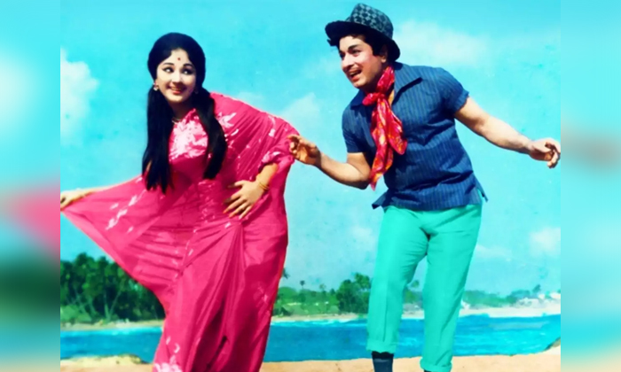 Unknown Facts About Actress Manjula And Mgr Incident-TeluguStop.com