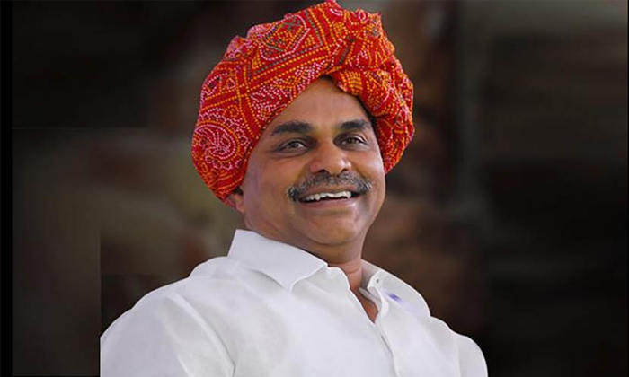 Unknown Persons Destroyed The Ysr Statue In Chittoor District-TeluguStop.com