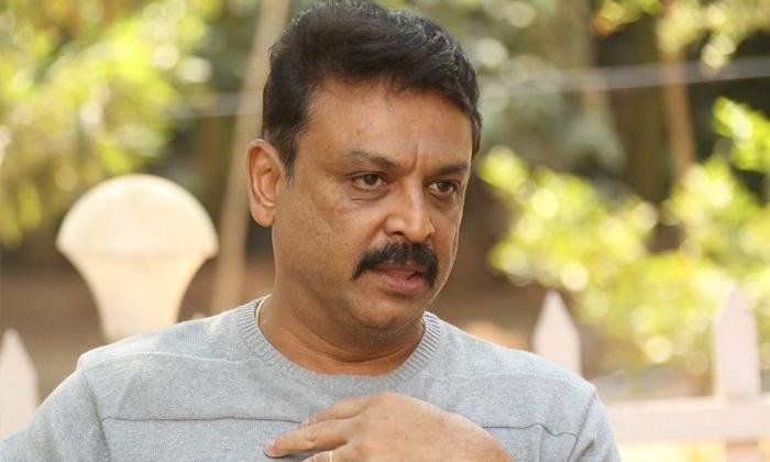 Naresh Scolded My Mother Uttej Sensatational Comments-TeluguStop.com