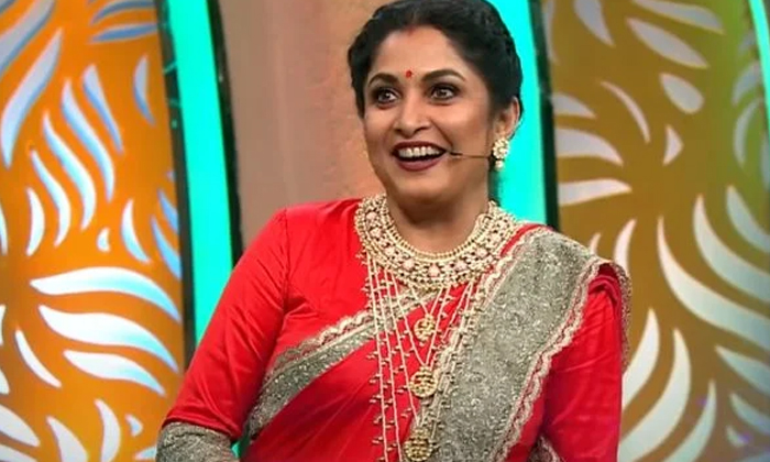 Heroine Ramyakrishna Interesting Comments About Raghavendra Rao-TeluguStop.com
