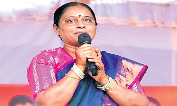 Congress Konda Surekha Sensational Comments On Minister Errabelli Dayakar Rao-TeluguStop.com