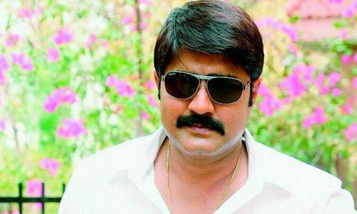 Srikanth Sensational Comments On Naresh-TeluguStop.com
